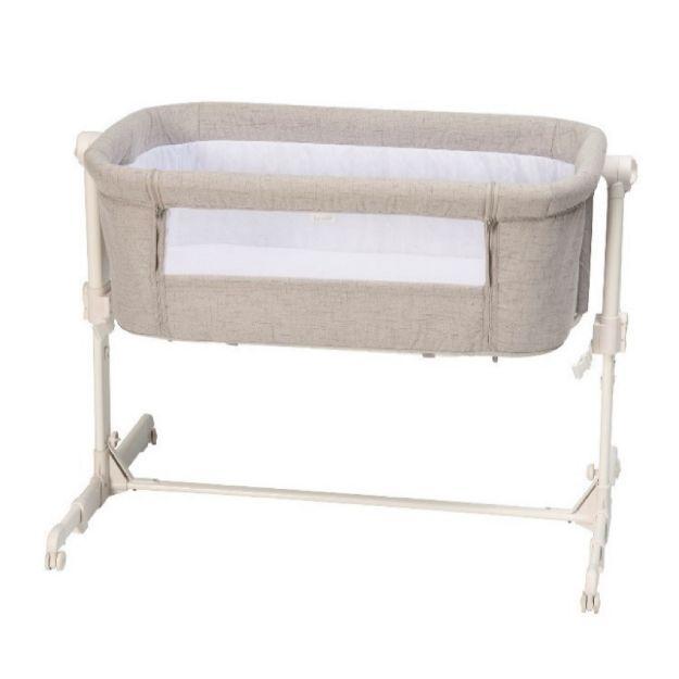 تخت کنار مادر بروی مدل Vicino